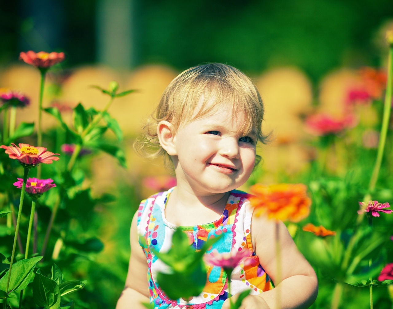 Cute Baby Wallpapers Hd Free: Jasmine In The Park